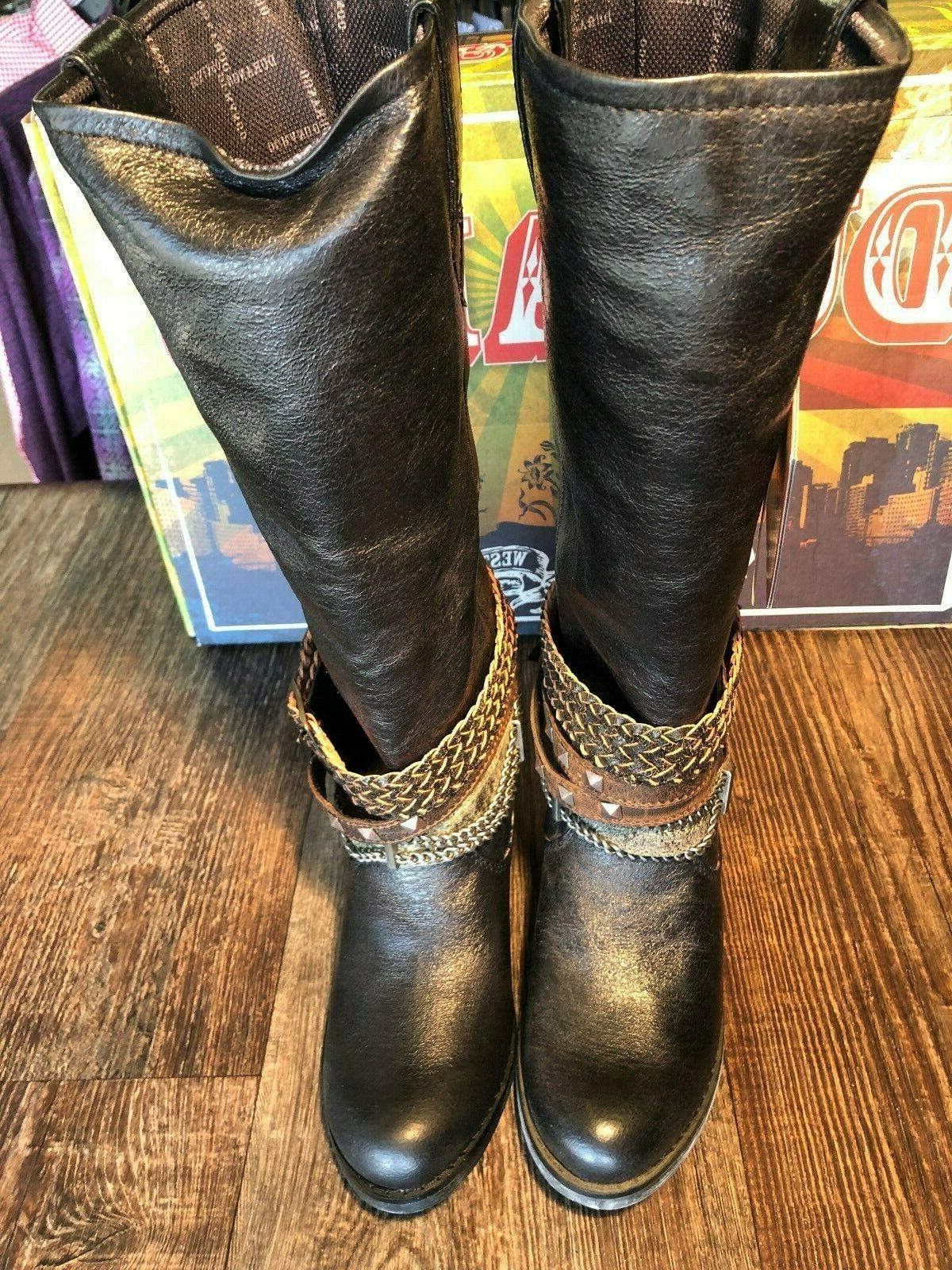 Women's fashion boot. Philly. Black with