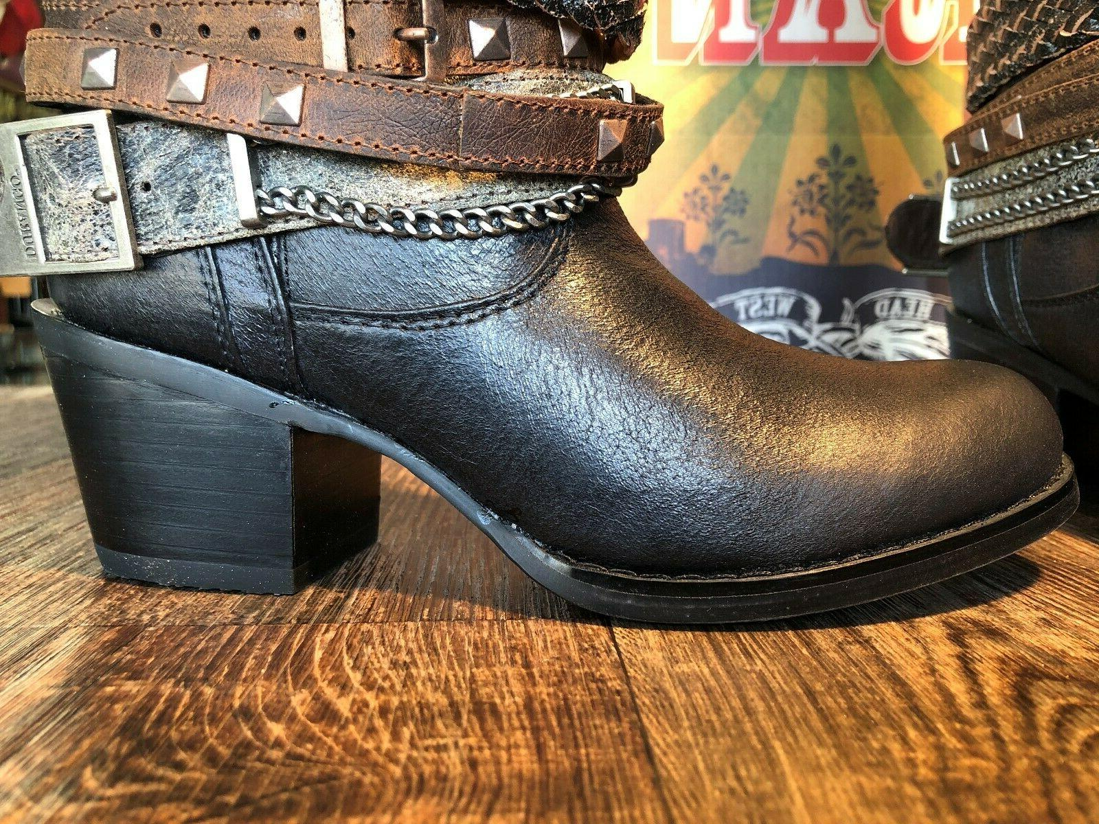 Women's fashion boot. Philly. Black